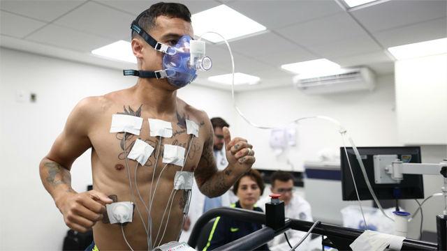 Los jugadores de Brasil se someten a pruebas físicas y al reconocimiento médico