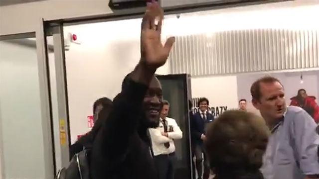 ¡Lukaku ya está en Milán! Los aficionados del Inter recibieron al jugador en el aeropuerto