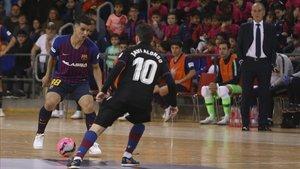 Marcenio debutó con el Barça en el Palau frente al Levante