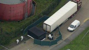La policía británica encuentra 39 cadáveres en un camión situado en Essex | Google