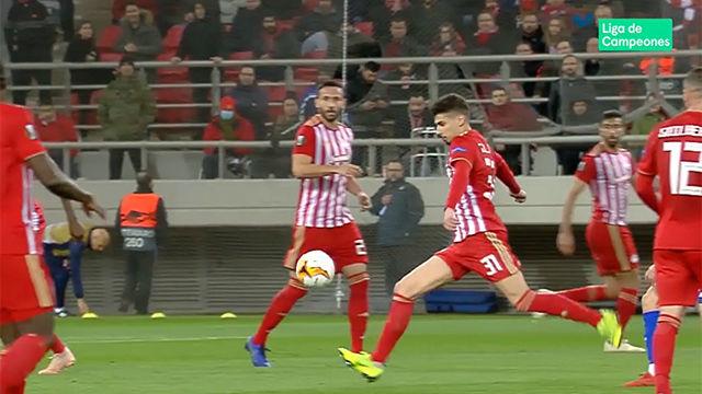 ¡Qué volea! Así fue el escandaloso gol de Gil Dias ante el Dinamo de Kiev
