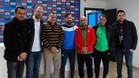 Quique Sánchez Flores, con los organizadores del nuevo centro de formación del Espanyol