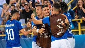 La selección italiana celebró el triunfo con los suyos