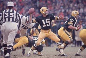 Starr jugó con el jersey número 15 con los Packers