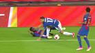 Umtiti fue pisado por Edgar en el minuto 16