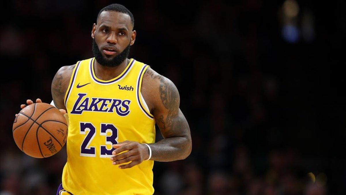 LeBron James no puede detener la caída de los Lakers 12e29361eb9