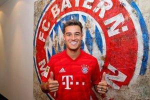 Cou, feliz con la camiseta del Bayern