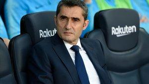 Ernesto Valverde seguirá como entrenador del Barça... de momento