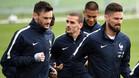 Hugo Lloris, Antoine Griezmann y Olivier Giroud durante un entrenamiento de la selección de Francia