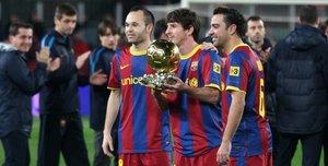 Iniesta, Messi y Xavi coparon el pódium del Balón de Oro