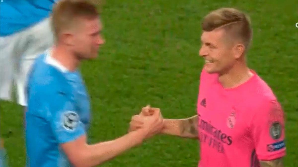 Kroos se rinde al City y este gesto a De Bruyne lo demuestra