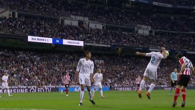 LALIGA | Real Madrid - Athletic (1-1): Carvajal se vistió de Navas y paró este remate de Raúl García