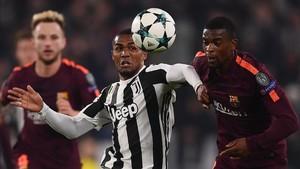 Las actuaciones de Douglas Costa han convencido a los dirigentes de la Juventus