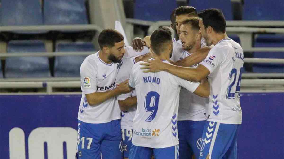 El Lugo empata ante el Tenerife en el 95
