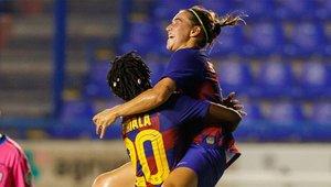 Mariona y Oshoala celebran un gol ante el Espanyol