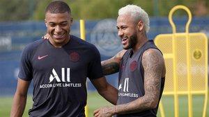 Mbappé y Neymar, durante la sesión