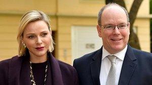 El Príncipe Alberto de Mónaco, junto a su esposa