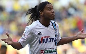Ronaldinho dio el triunfo al Querétaro