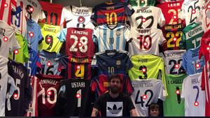 9174433e6 Quién está y a quién no se ve en la colección de camisetas de Messi