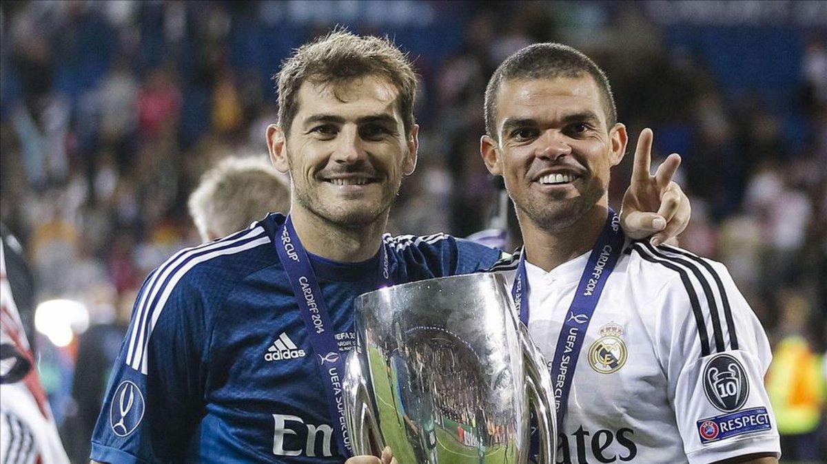 4fa8ff6931b Casillas y Pepe