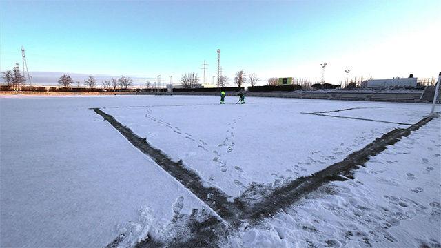 El campo del Unionistas amanece nevado a un día de enfrentarse al Madrid