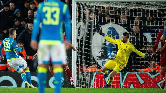 Alisson salvó al Liverpool del desastre