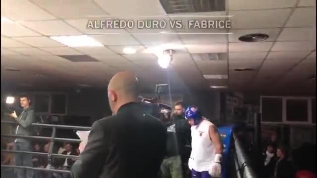 Así ha sido el bochornoso combate de boxeo de Alfredo Duró