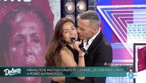 Carlos Lozano pide matrimonio a Miriam Saavedra en directo