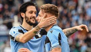 Ciro Immobile celebra un gol con su compañero Luis Alberto