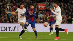 Clément Lenglet ya no tendrá que sufrir a Leo Messi como rival
