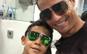 Cristiano Ronaldo, junto a su hijo