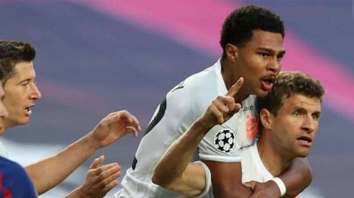 Empieza cumpliendo el pronóstico el todopoderoso Bayern. Así narró la radio el gol de Müller