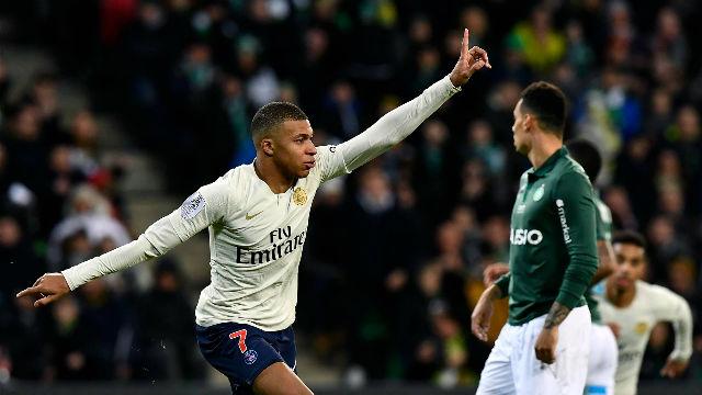El golazo de tijera y lo mejor de Mbappé ante el Saint-Étienne