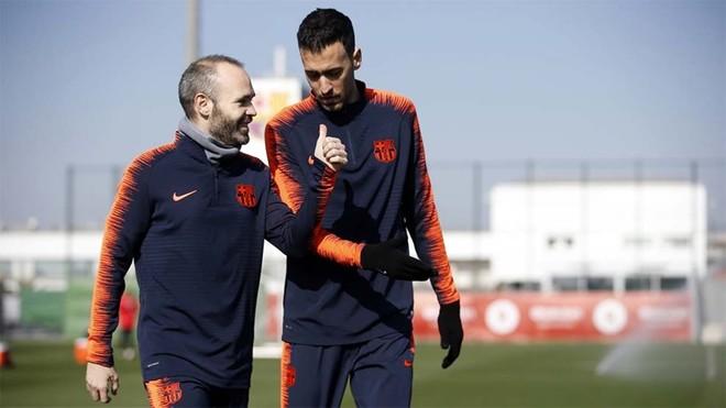 Entrenamiento de recuperación para los titulares del Barça