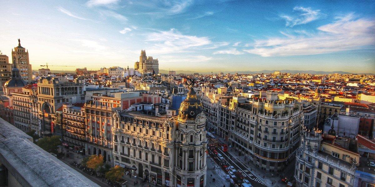 Isabel Díaz Ayuso accede y cierra Madrid desde hoy a las 22:00 horas