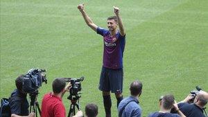 Lenglet, durante su presentación en el Camp Nou