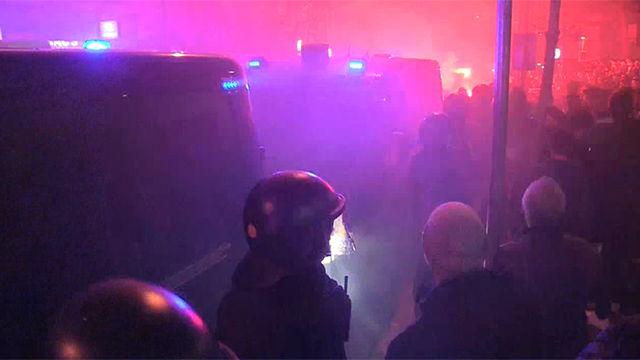 Los Mossos cargan por peleas entre manifestantes de Tsunami y de Boixos Nois