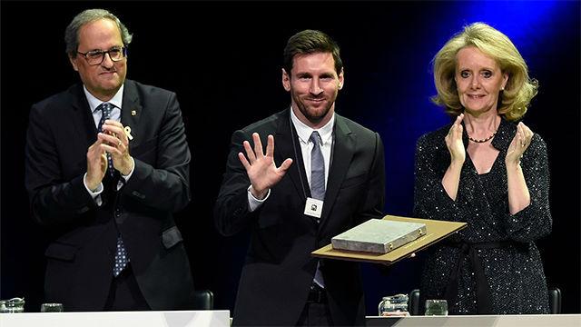 Messi recibe la Creu de Sant Jordi por su humildad y honestidad