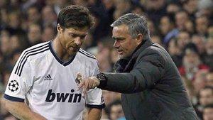 Mourinho y Xabi Alonso pueden llegar juntos al Real Madrid