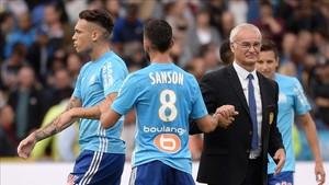 Ranieri, todo un señor, felicitó a sus rivales