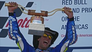Rins ganó en Austin su primera carrera en MotoGP