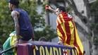 Xavi y Neymar, en el autocar que llevaba al Barça por las calles de Barcelona
