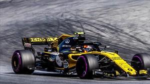 Carlos Sainz rodando en el circuito alemán de Hockenheim