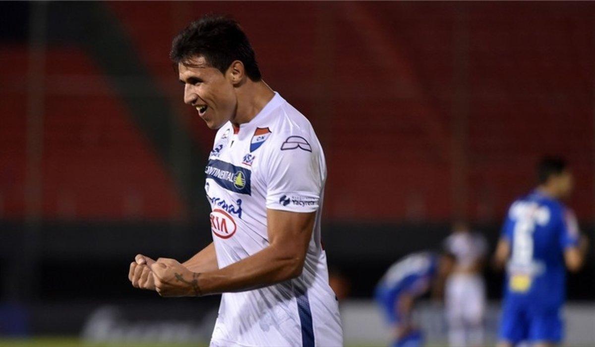 Adam Bareiro es nuevo jugador de Rayados