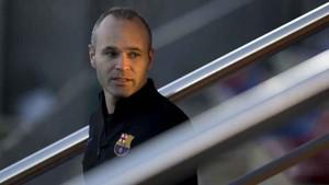 Andrés Iniesta, capitán del FC Barcelona, insta al barcelonismo a cerrar filas y luchar por el doblete