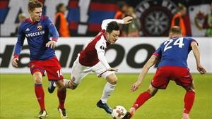 El Arsenal superó al CSKA de Moscú y alcanzó las semifinales