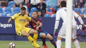Badía fue un muro infranqueable para el Levante, que cedió un empate ante el Reus