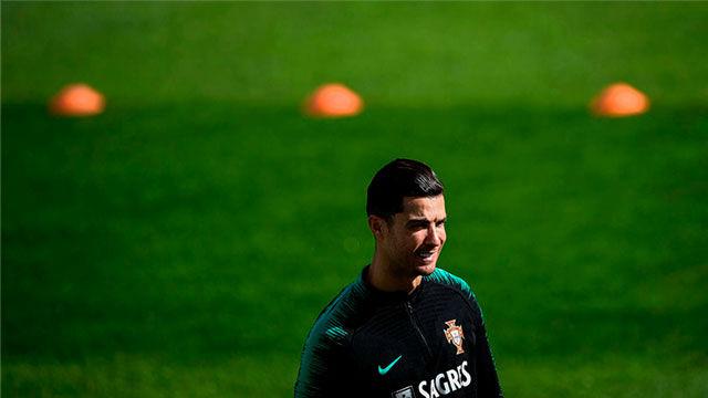 Cristiano se entrena con Portugal tras su polémico gesto con la Juventus