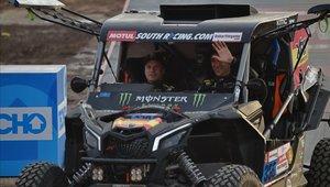 Gerard Farrés y su copiloto Dani Oliveras en su UTV en Lima