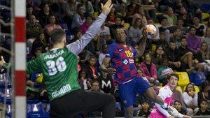 Gerard Forns, meta catalán del Cangas, ante el FC Barcelona